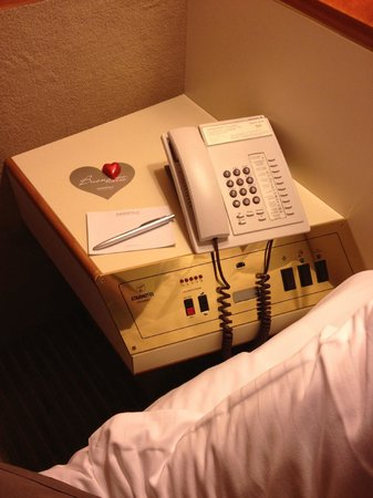 Starhotels President : Bedside cabinet