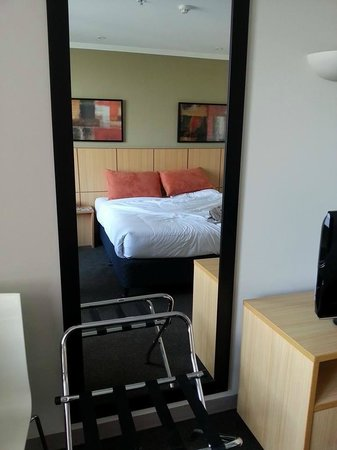 Travelodge Bankstown Hotel: Room
