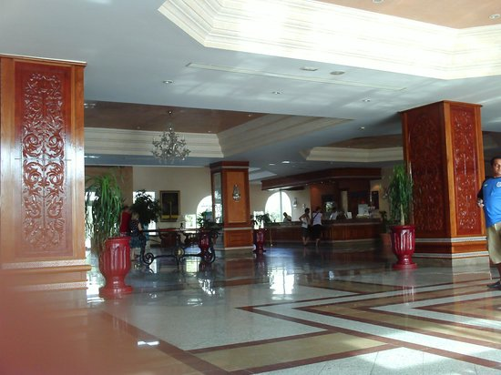 Concorde Hotel Marco Polo : Clean airy reception