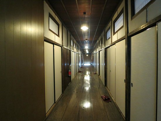 Seifuso: 本館の廊下
