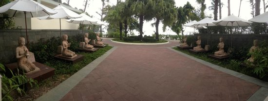 Centara Grand Beach Resort & Villas Krabi : Depuis la réception