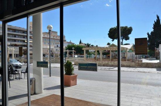 Hotel Balneario TermaEuropa Playa Coma-Ruga: Вид из лобби