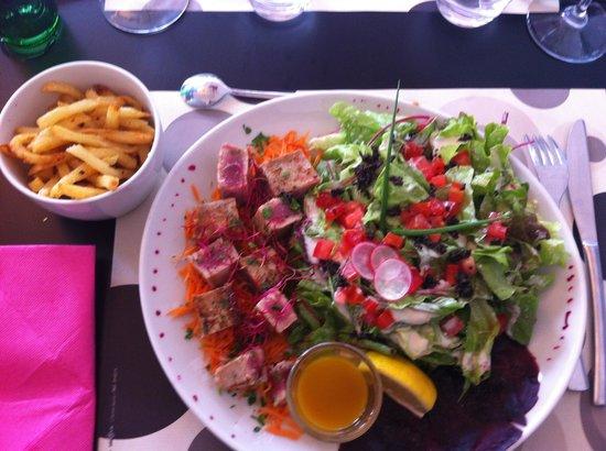 Le Carre: Salade de thon mi-cuit et son vinaigre de mangue José ��������