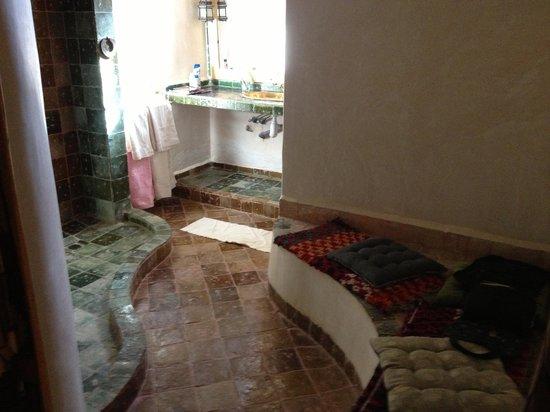 Dar Jnan Tiouira : Our bathroom