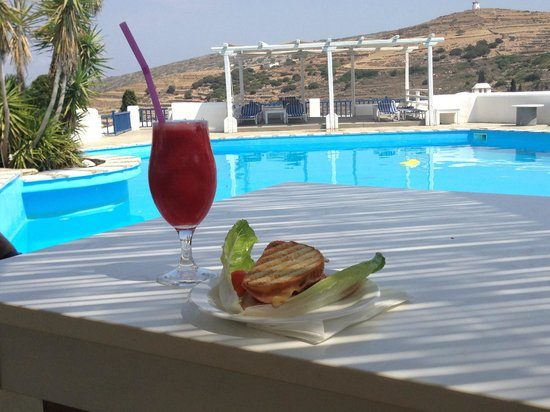 Lefkes Village Hotel: A poolside snack (fresh watermelon juice & sandwich)
