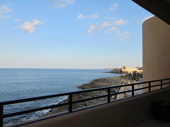 Radisson Blu Resort, Malta St Julian's: View from balcony of room 348
