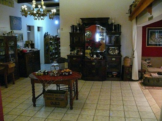Stampriet Historical Guesthouse: Small shop in the main house