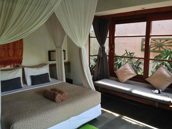 Luwak Ubud Villas: Second room with two twin beds