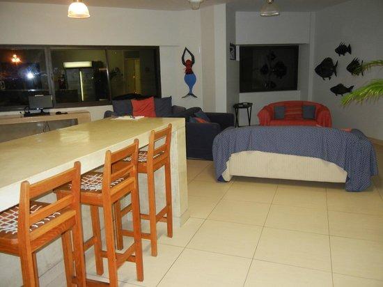 Plett Beachfront Accommodation: lounge