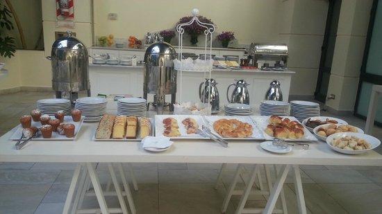 Loi Suites Recoleta : cafe da manhã completo