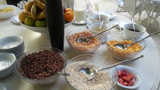 Loi Suites Recoleta Hotel: café da manhã