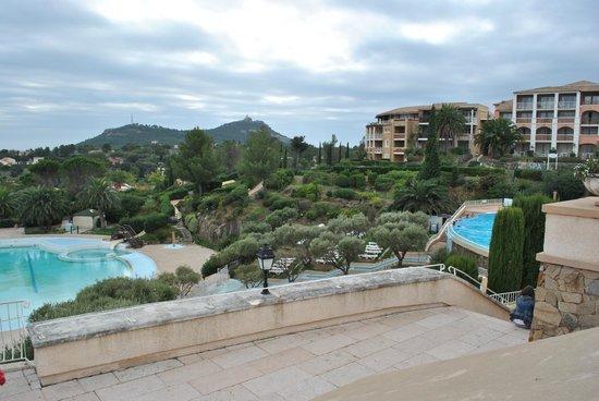 Pierre & Vacances Village Cap Esterel: Closed pool - nowhere for young children
