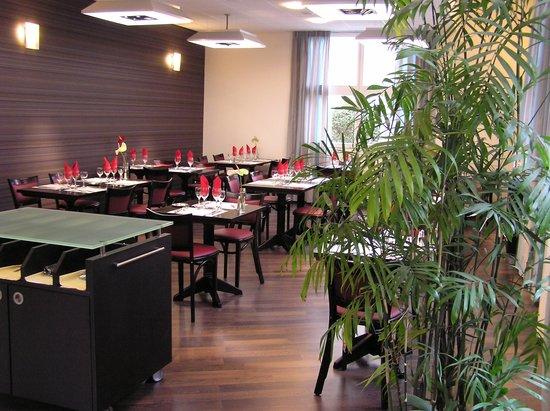Kyriad Metz Centre : Restaurant Karousel