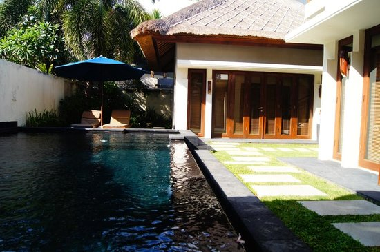 Balibaliku Beach Front Luxury Private Pool Villa: Бассейн