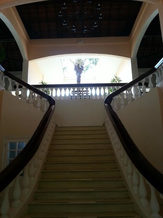 Anantara Hoi An Resort: Staircase to Breakfast Room