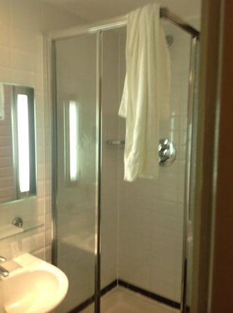 Royal Station Hotel : bathroom in small double room