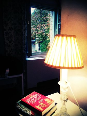 Urbino Resort - Tenuta Santi Giacomo e Filippo: Super girly room called Lavander :)