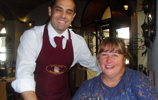 Terzo Cerchio : My sister with our great waiter Balazs