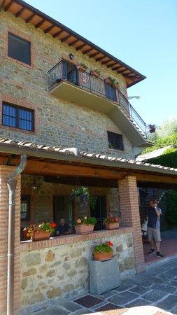 Villa il Castellaccio: Entrance to Apartment 1 up stairs and entrance to Apartment 3 and covered patio