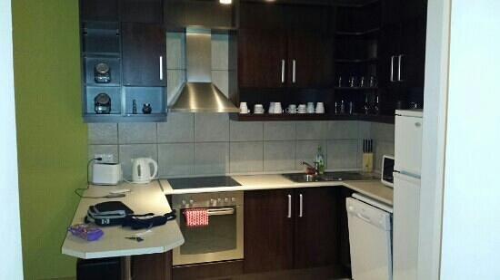 Madison Serviced Apartments: Kitchen