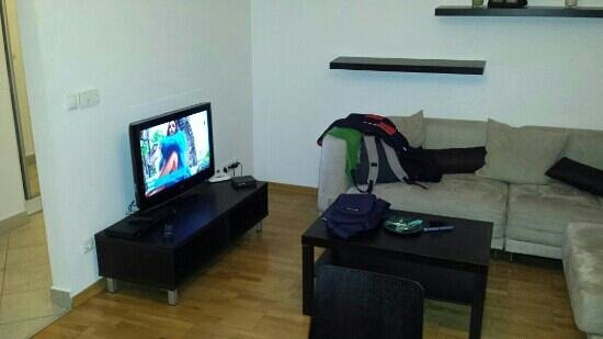 Madison Serviced Apartments: Living room