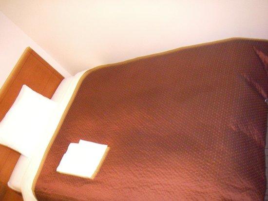 Hotel Mets Nagaoka: ベッド