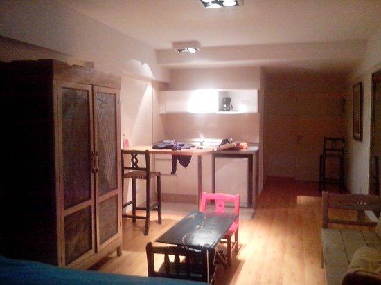 Milino Buenos Aires Apart Hotel: Habitacion con cocina.