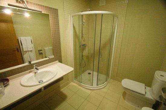 Hotel Lusitano: Cuarto de baño de una habitación