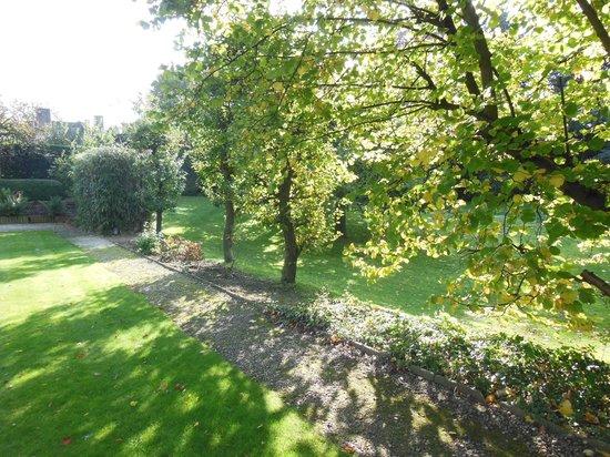 Musée David et Alice van Buuren : in the garden