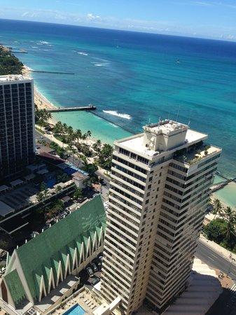 Pacific Beach Hotel: вид из номера