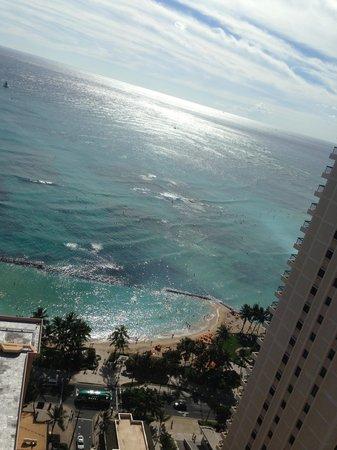 Alohilani Resort Waikiki Beach: Вид на океан