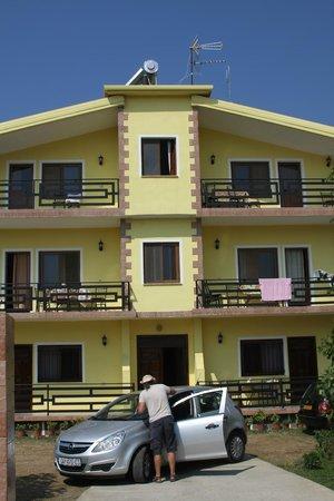 Hotel Velipoja: not so far from the beach