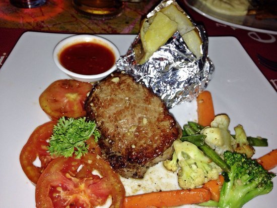 Casablanca Dine Drink Dance: Recomended. Grill tenderloin steak, medium welldone.