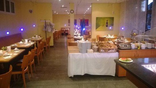 GHOTEL living München-Zentrum: Breakfast