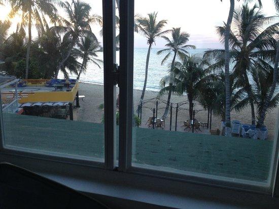 Cocoplum Beach Hotel: Vista do quarto
