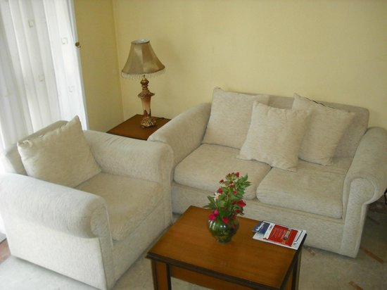 Hotel Bellapais Gardens : The sitting room