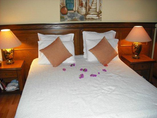 Hotel Bellapais Gardens : The bedroom