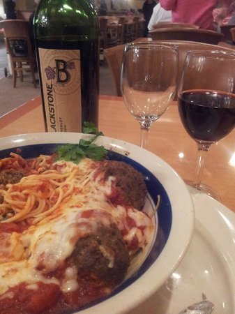 Gucci's Pizza: Bring your favorite bottle of wine to compliment Gucci's delicious cuisine!
