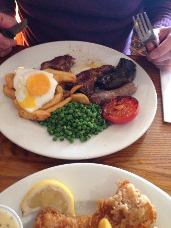 Oak Tree Farm Pub Restaurant: The peas? The sausage?