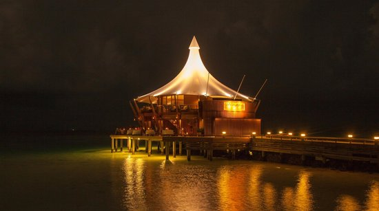 Baros Maldives: Light House Restaurant