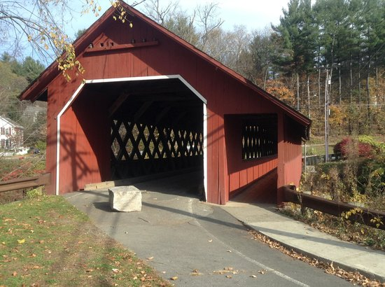 ‪Creamery Covered Bridge‬
