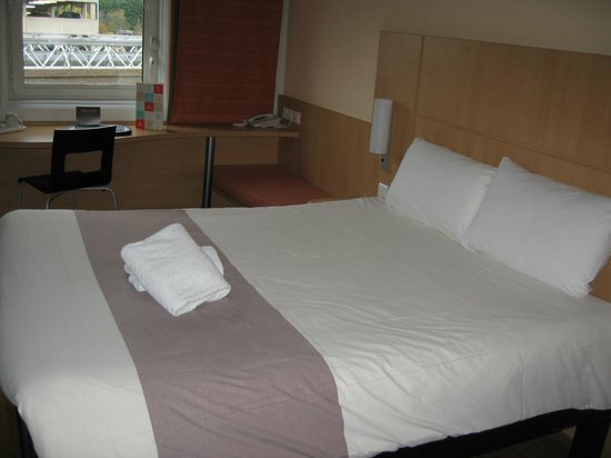 Ibis Birmingham Airport: Double Bed