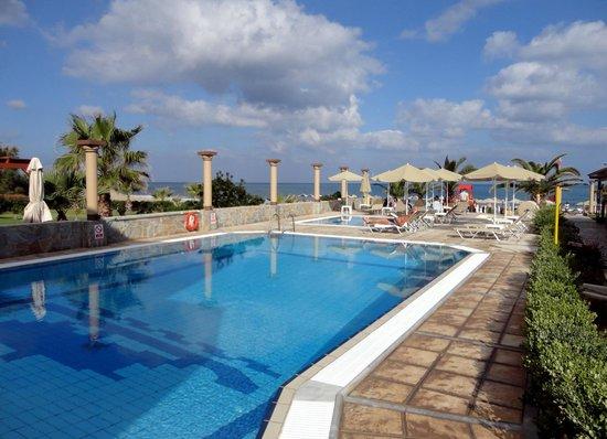 Odyssia Beach Hotel : Pool