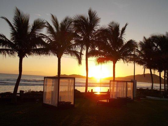 Morada do Mar  Hotel: Nascer do Sol em frente ao Morada do Mar Hotel