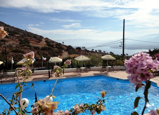Kalithea Apartments : The pool and the view
