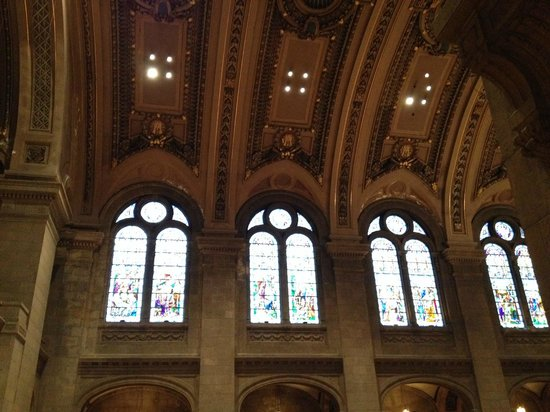 Basilica of St. Mary: The ceiling and windows