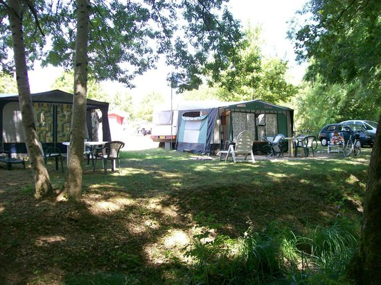 Camping La Vallée Bleue : terrain
