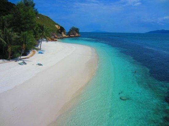 Alang's Rawa: Beach