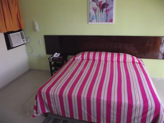 Hotel & Suites Oriente: BED