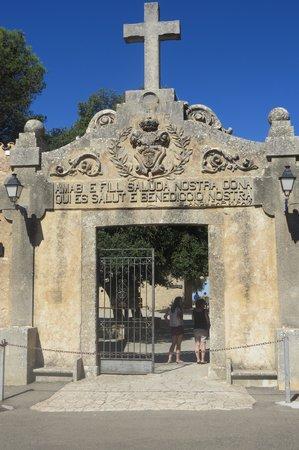 Santuari de Cura: Sanctuary Entrance